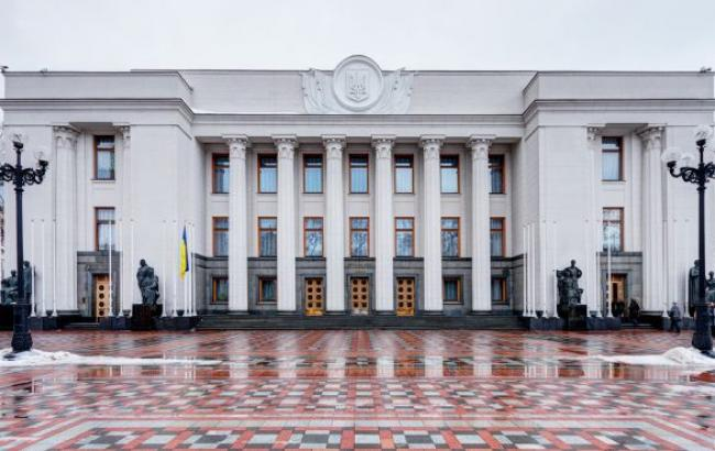 В Раде будут представлены 11 партий и 96 самовыдвиженцев