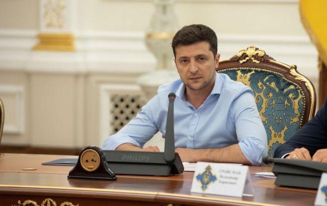 Зеленский провел первое на посту президента заседание СНБО