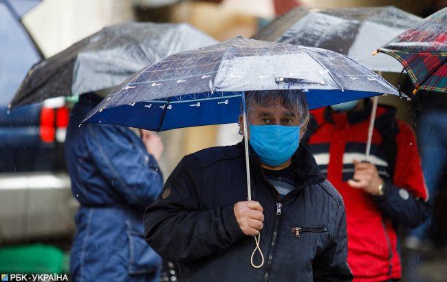 В Україну повертаються дощі: синоптики розповіли, де буде негода