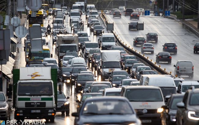 Цены на бензин растут, автогаз подорожал еще на 10 копеек