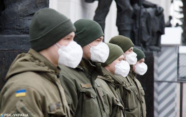 В ВСУ зафиксировали рост числа зараженных коронавирусом военных