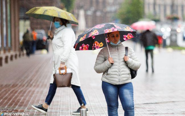 Дожди и мокрый снег: в Украине местами похолодает