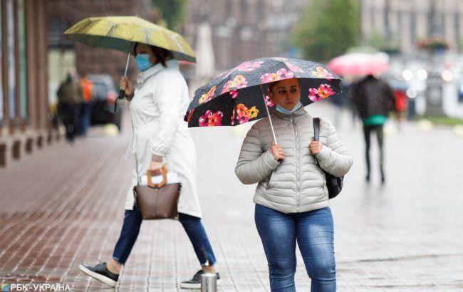 Пасмурно, дождь, местами мокрый снег: погода в Украине и Киеве на завтра