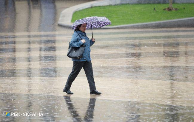Тепло, але дощі у чотирьох областях: прогноз погоди на сьогодні