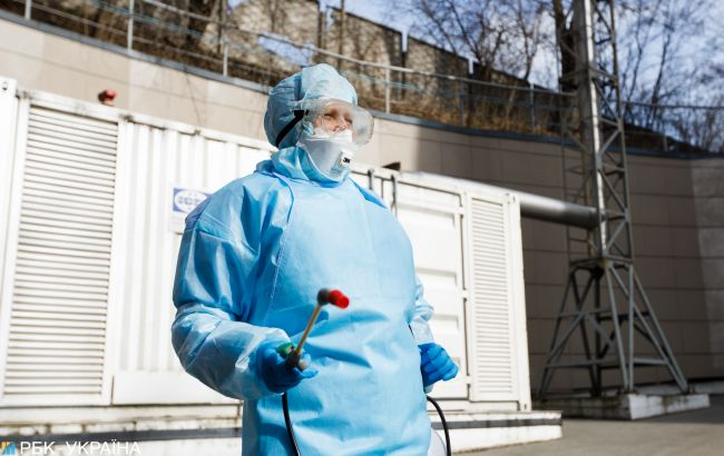 У Тернопільській області на COVID-19 захворіли понад 130 медиків
