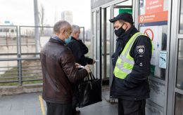 В мэрии Киева рассказали, кому разрешили ездить в транспорте без спецпропуска