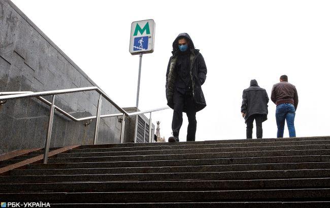 У переходах метро знесені кіоски замінюють на нові: свіжі фото