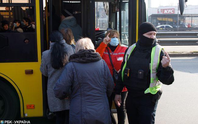 У Києві обмежать кількість пасажирів в громадському транспорті