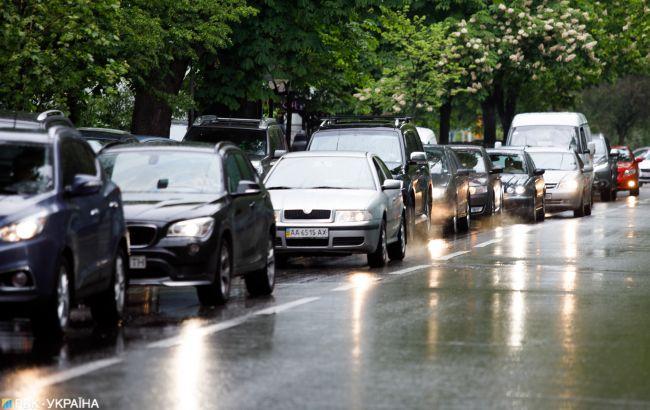 Обмеження цін на бензин і зникнення палива: що відомо