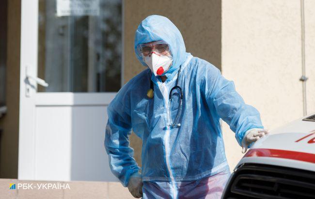 В Україні зайнято майже 70% лікарняних ліжок для лікування коронавірусу