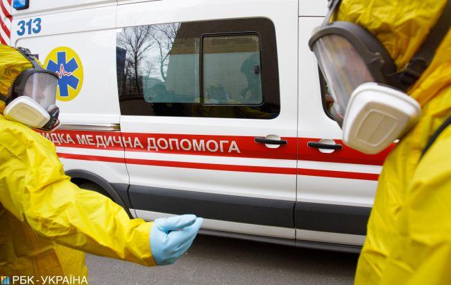 """Київський лікар пояснив, чому """"швидкі"""" не поспішають на """"ковідні"""" виклики: цілком можуть потерпіти"""