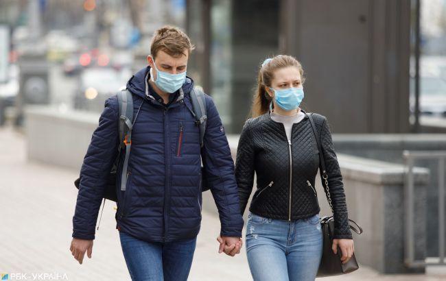 В Украине заболеваемость COVID превышает норму в пять раз