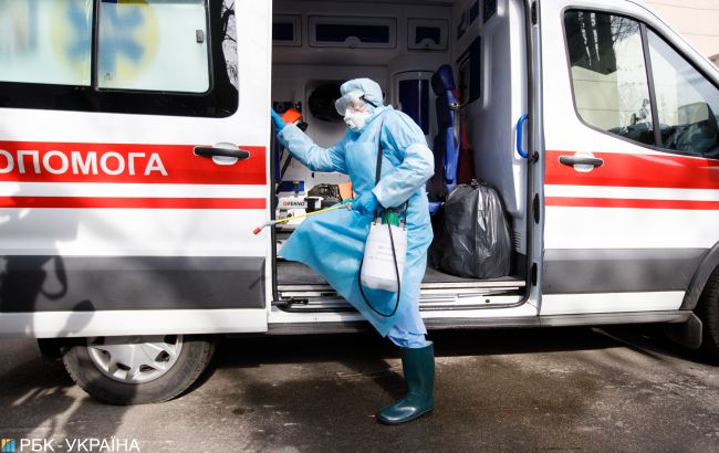 В Киеве коронавирусом заболели трое медиков