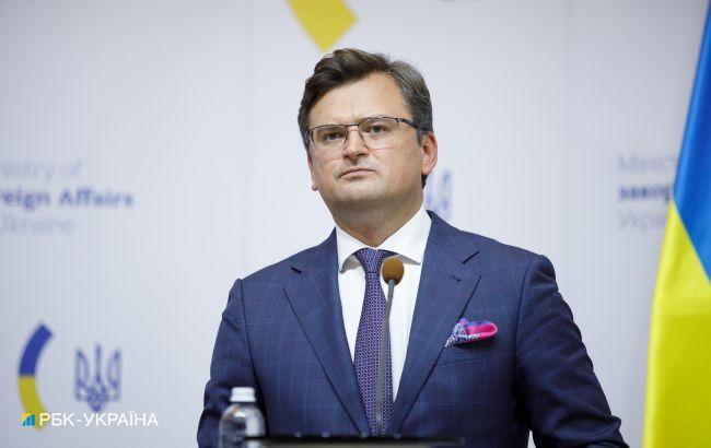 Кулеба закликав Макрона переконати Путіна сісти за стіл переговорів по Донбасу
