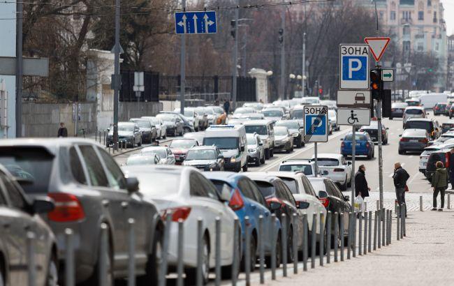 Бензин дешевшає: скільки коштує паливо на АЗС