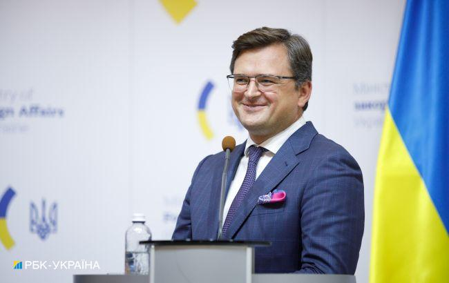 """""""Там палає"""": Кулеба прокоментував реакцію Росії на Кримську платформу"""