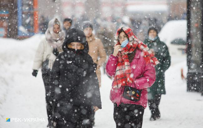 Негода в Україні: школам рекомендують перейти на дистанційний формат