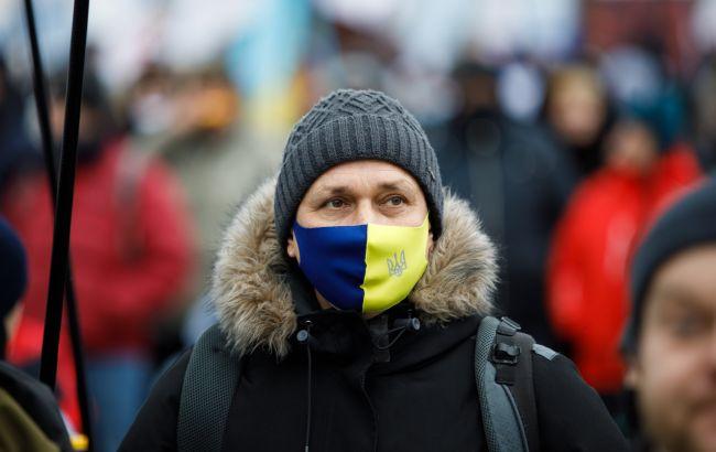 """Крупные города Украины в ближайшие дни усилят карантин до """"красной зоны"""""""