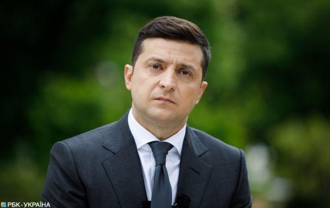 Зеленський про пожежу в Луганській області: я би з обстрілами не поєднував