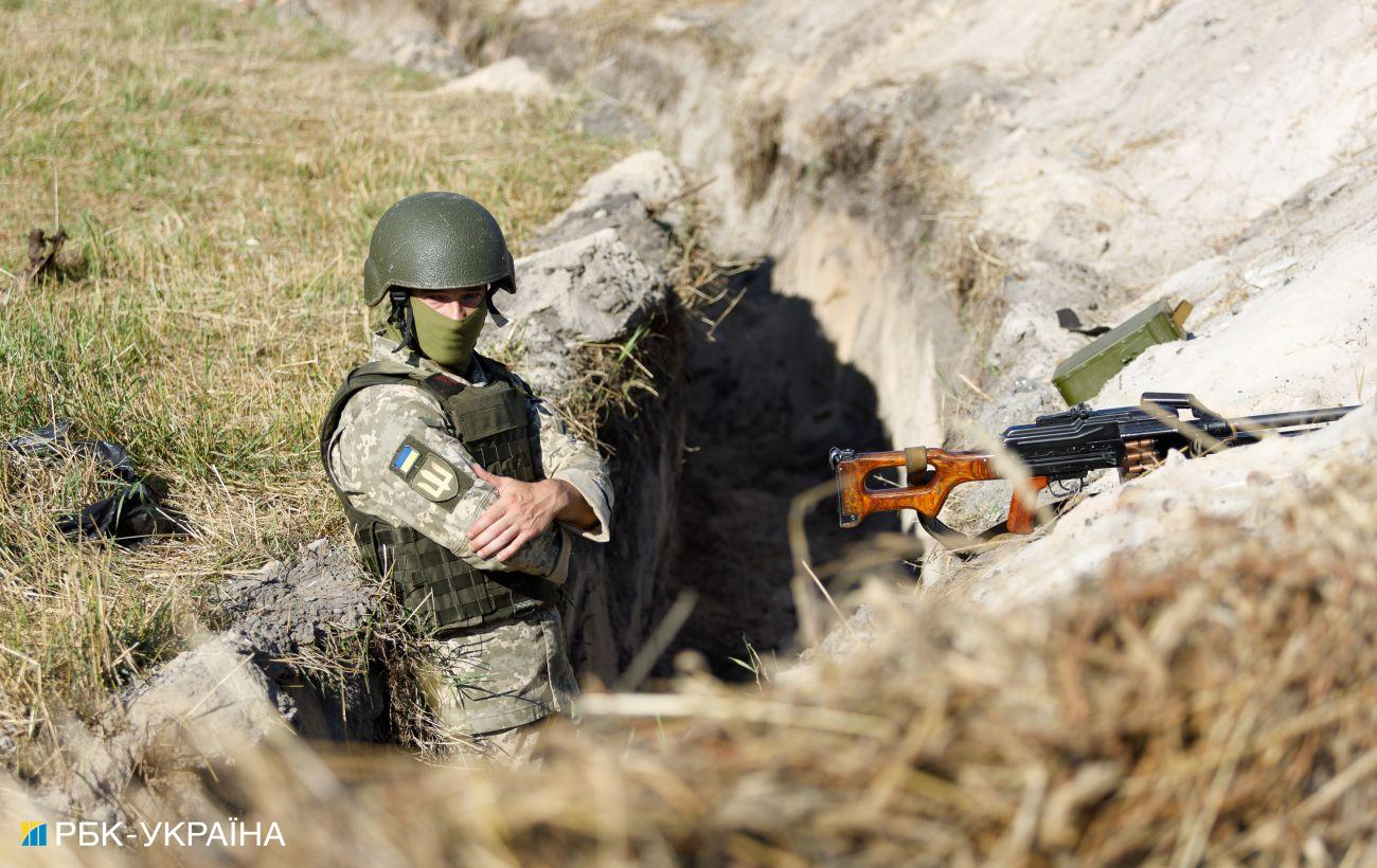 На Донбассе снова обстрелы. Боевики используют запрещенные вооружения