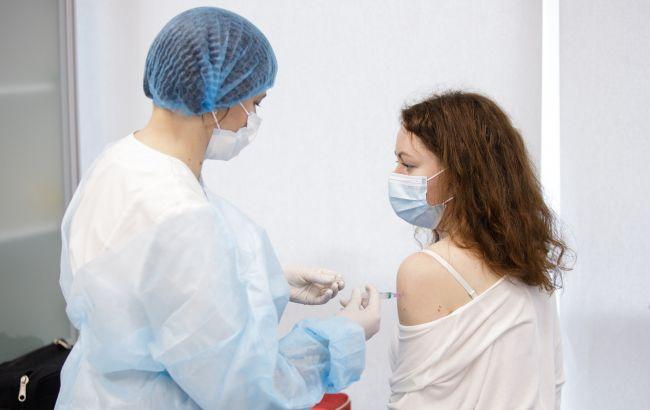 США увеличивают темпы вакцинации от COVID-19
