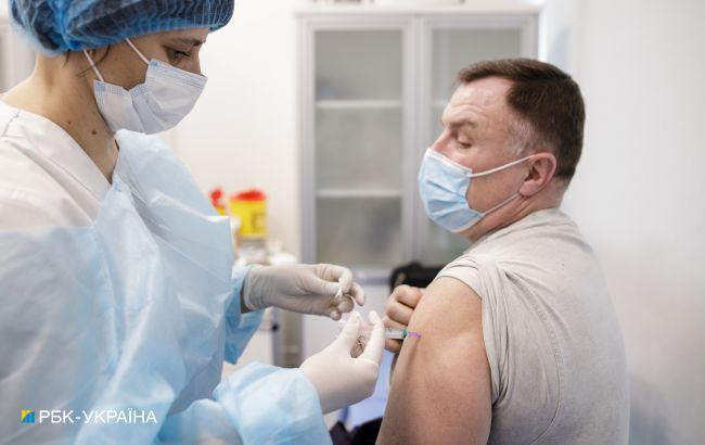 В Україні зробили майже півмільйона щеплень від COVID за тиждень