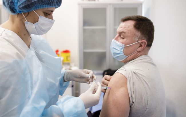 Украина и Израиль обсуждают взаимное признание паспортов вакцинации: возникла трудность