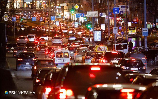 Киев под вечер вновь остановился в пробках: какие улицы лучше объехать