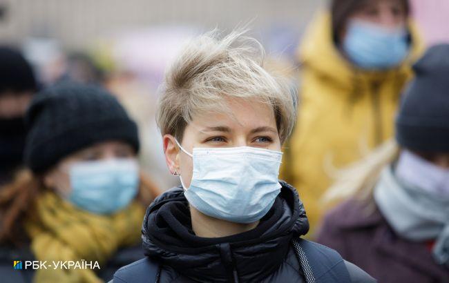 """В """"красных"""" зонах обязали носить маски в парках и на улицах"""