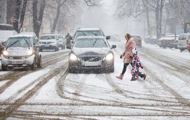 Снегопад и значительные пробки: ситуация в Киеве