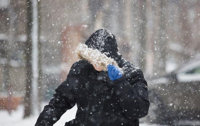 Мощный ветер иснег с дождем: где в Украине разгуляется непогода