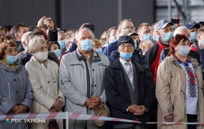 Количество случаев COVID-19 в Украине за последние сутки упало до 2,5 тысяч