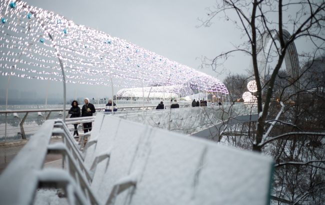 Не Хрещатик: названі найпопулярніші місця для побачень у Києві
