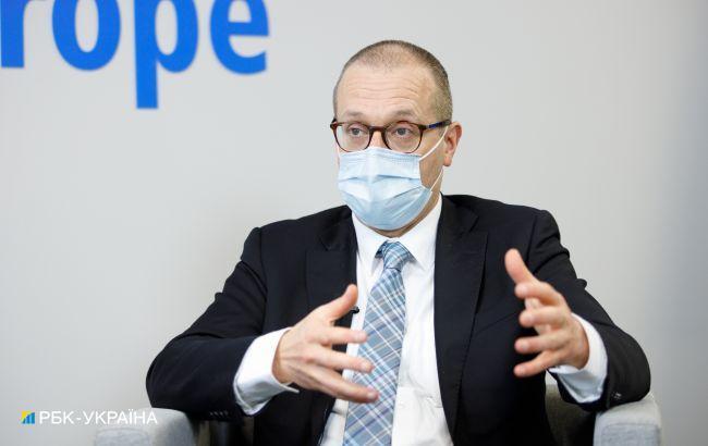 ВООЗ прогнозує поширення більш заразного штаму коронавірусу в Європі