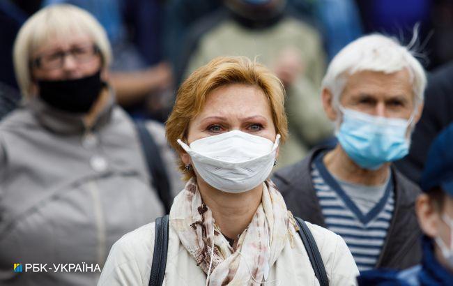 В Украине хотят штрафовать владельцев бизнеса за отсутствие масок у клиентов