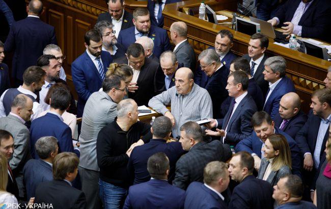 Голови фракцій домовились не блокувати трибуну Верховної ради