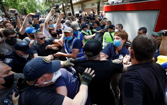 У Києві поліція побила аспіранта КНУ: з'явилася реакція навчального закладу