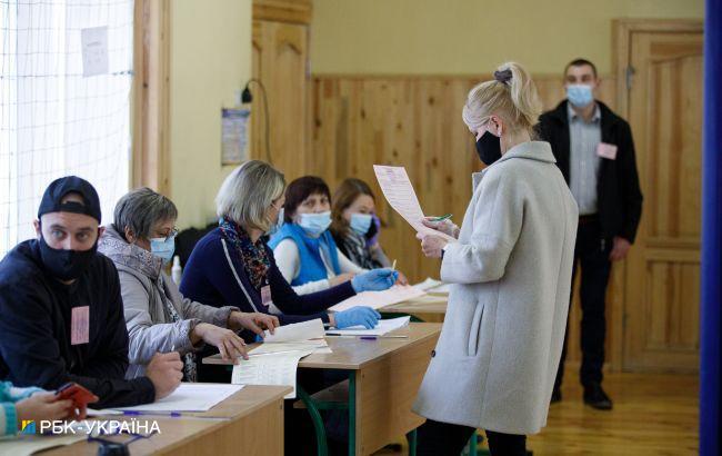 У Харкові через помилки і не прошиті протоколи ДВК відправляють на доопрацювання