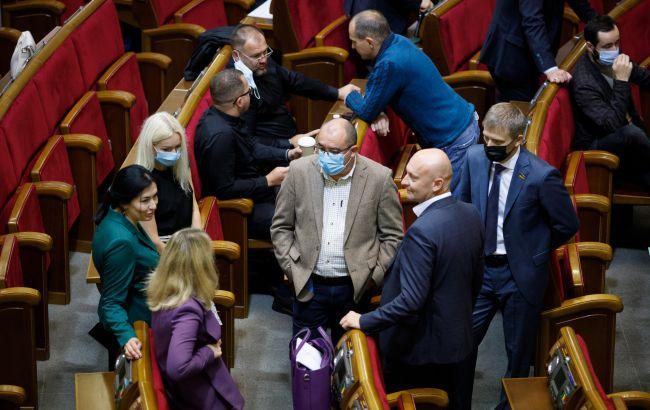 Рада прийняла закон про держслужбу з пропозиціями Зеленського