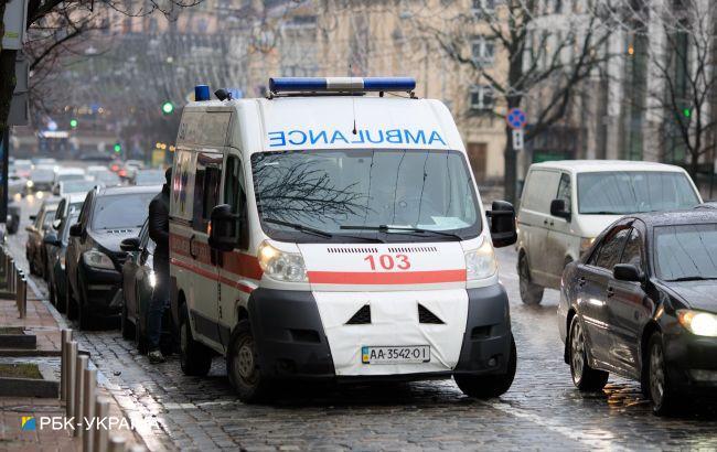 """В Одессе водитель """"скорой"""" с пациентами в салоне уснулза рулем и влетел в такси (фото)"""