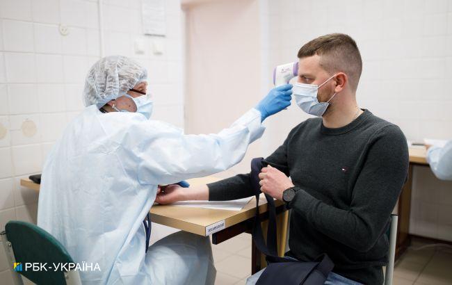 """З переходом у """"жовту"""" зону кількість введення перших доз COVID-вакцини зросла майже на 25%"""