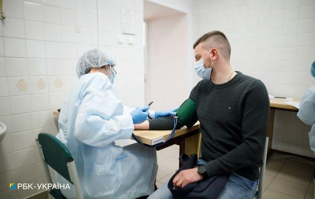 На вакцинацію від COVID в Україні записалось понад півмільйона осіб