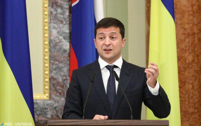 Зеленський виступив проти продажу землі іноземцям