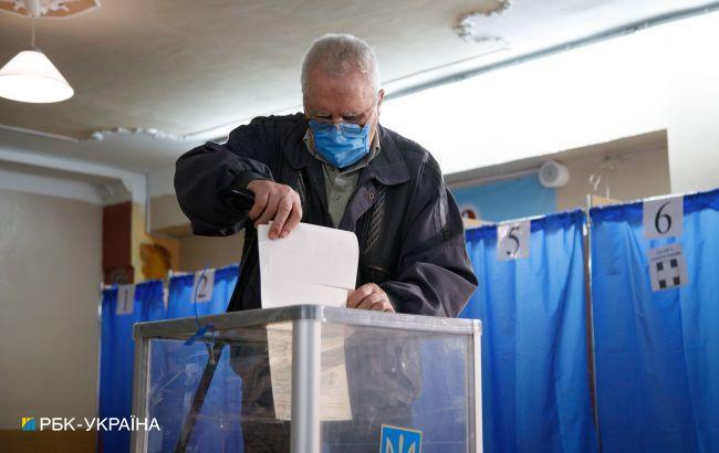 В семи областях Украины полностью установили результаты выборов мэров
