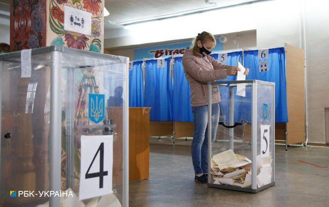 Довыборы в Раду на округе 87: председатель комиссии исчез, а новый не восстанавливает подсчет голосов