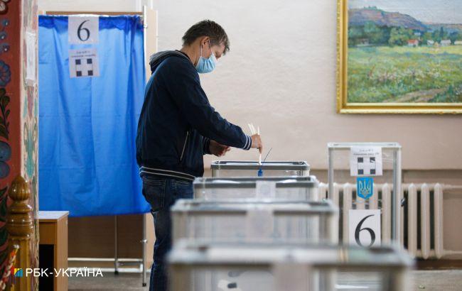 В Україні поки не встановили результати виборів в 11 місцевих рад та 6 мерів