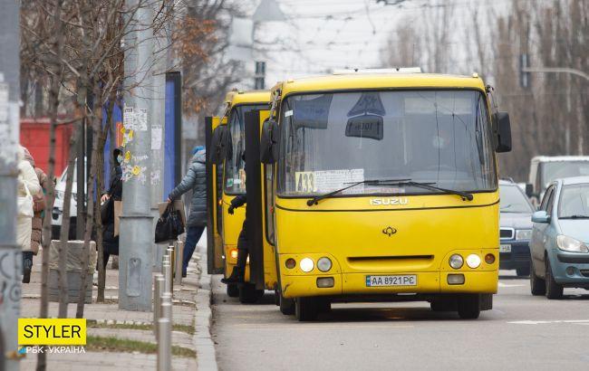 В Киеве могут остановить маршрутки: пассажиры лезут в драку