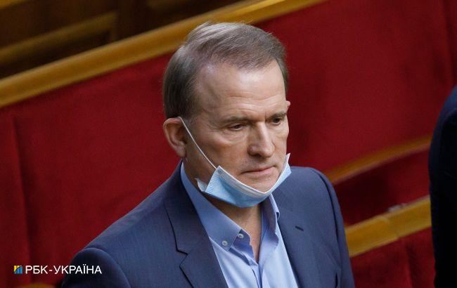 Медведчука допитали щодо його переговорів з Сурковим