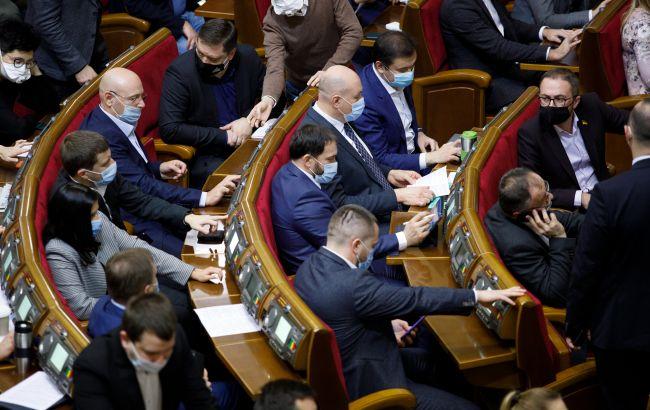 Боротьба з контрабандою або мільярдні втрати. Що дасть Україні поступове підвищення акцизу на ТВЕНи