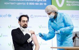 Вакцинация в Украине: риск серьезных побочных эффектов ниже 1%